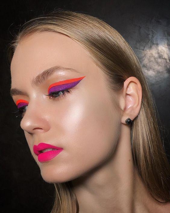 Delineador de ojos neon