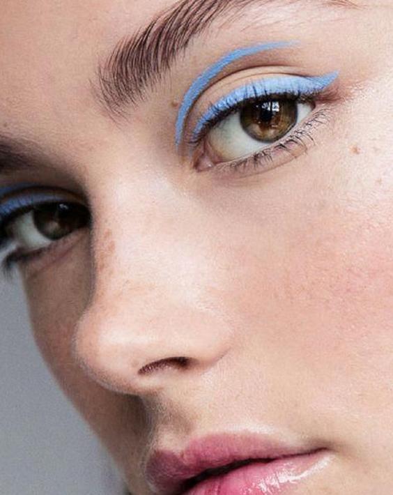 Delineadores de ojos de colores