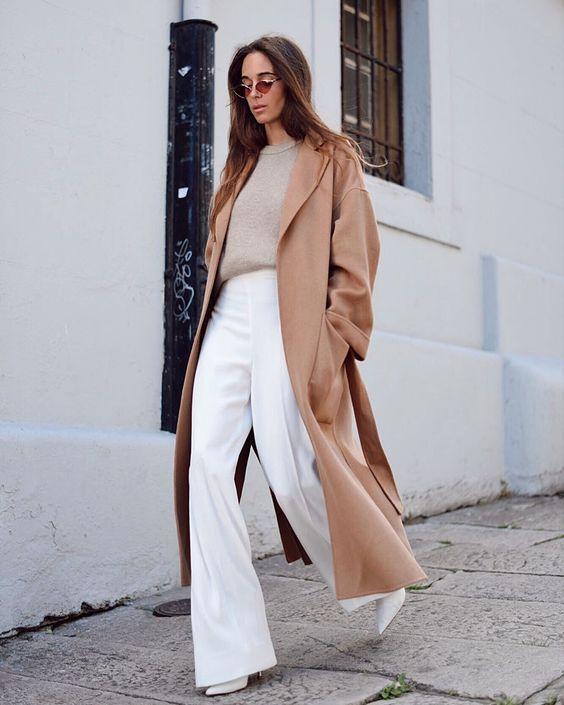 Outfit con abrigo beige